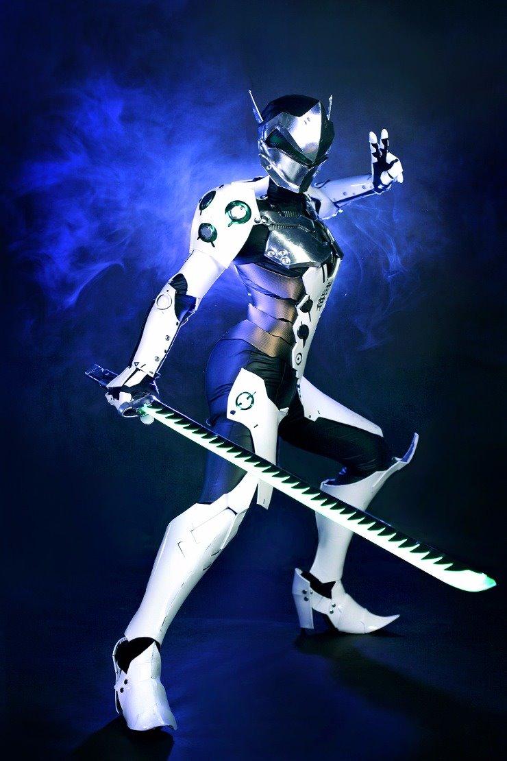 female-genji-cosplay-by-tasha-0001
