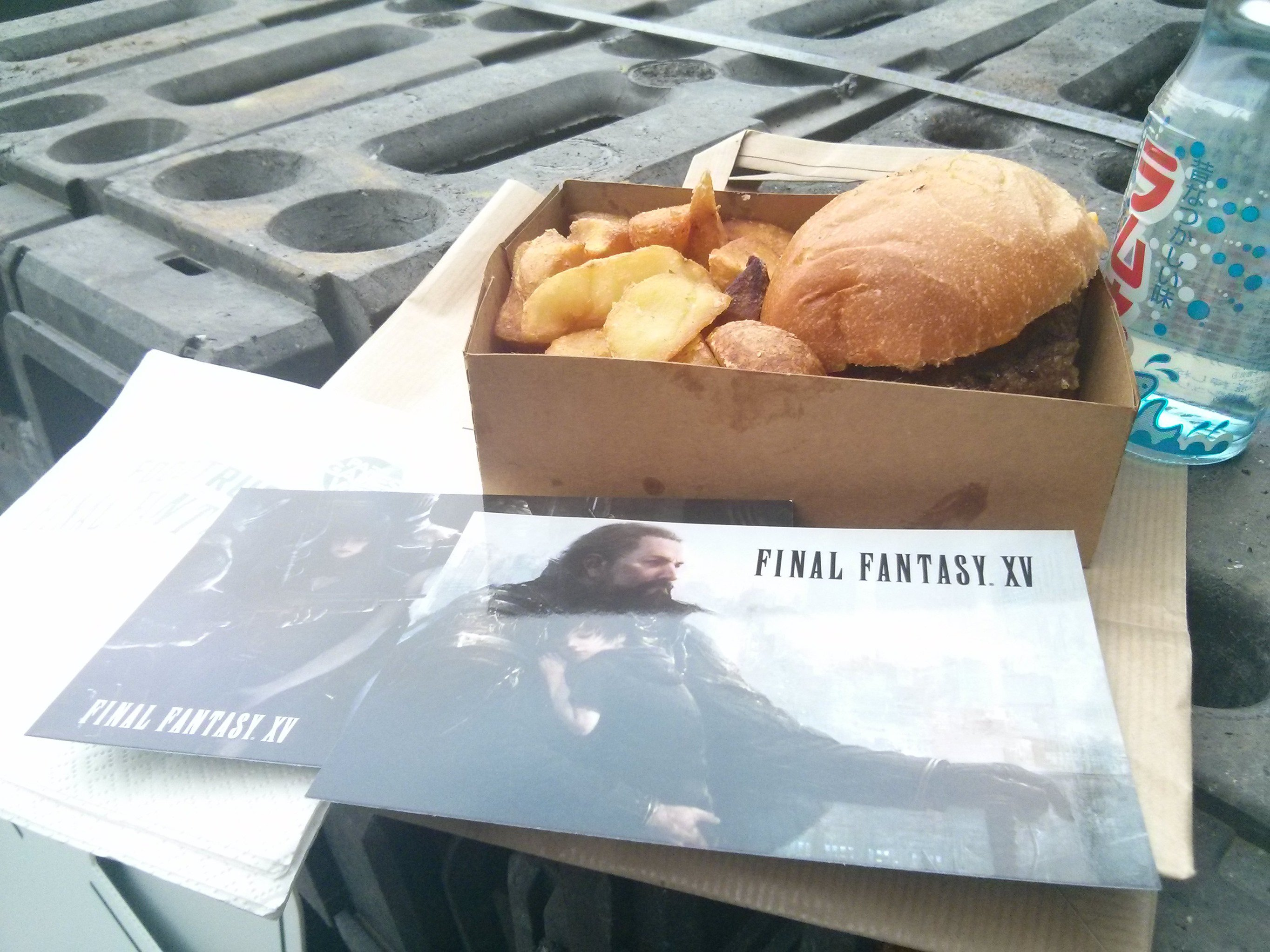 Final Fantasy XV Food Truck Serves Burgers 6