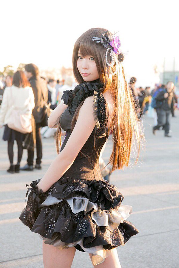 Forget Comics, These Cosplayers Will Warm Your Heart at Comiket 8935