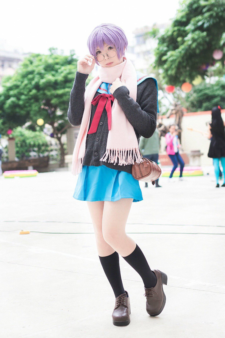 Male Teacher in China Cosplays as Female Characters and His Student Finds Out 15
