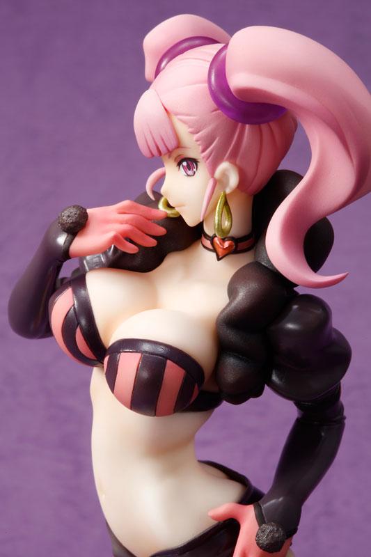 Moco Receives a Rather Attractive Figure haruhichan.com Captain Earth Moco anime figure 1 8 scale 03