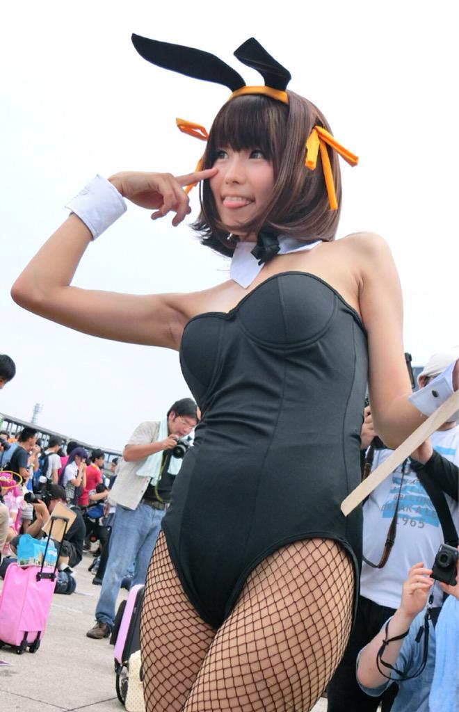 Nagisa Nagi Bunny Girl Cosplay Steals the Spotlight at Comiket 88 10