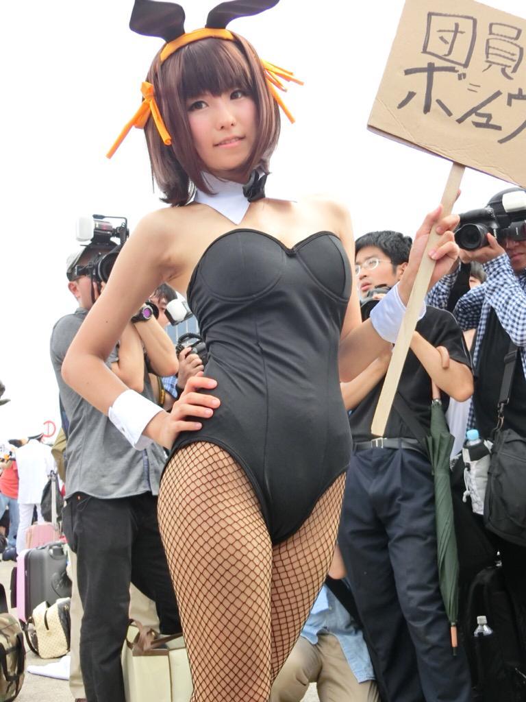 Nagisa Nagi Bunny Girl Cosplay Steals the Spotlight at Comiket 88 9