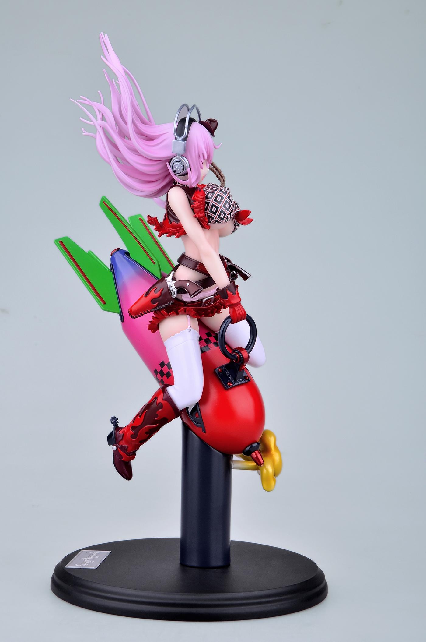 Nitroplus' Mascot Rides a Giant Rocket haruhichan.com Super Sonico rocket figure00