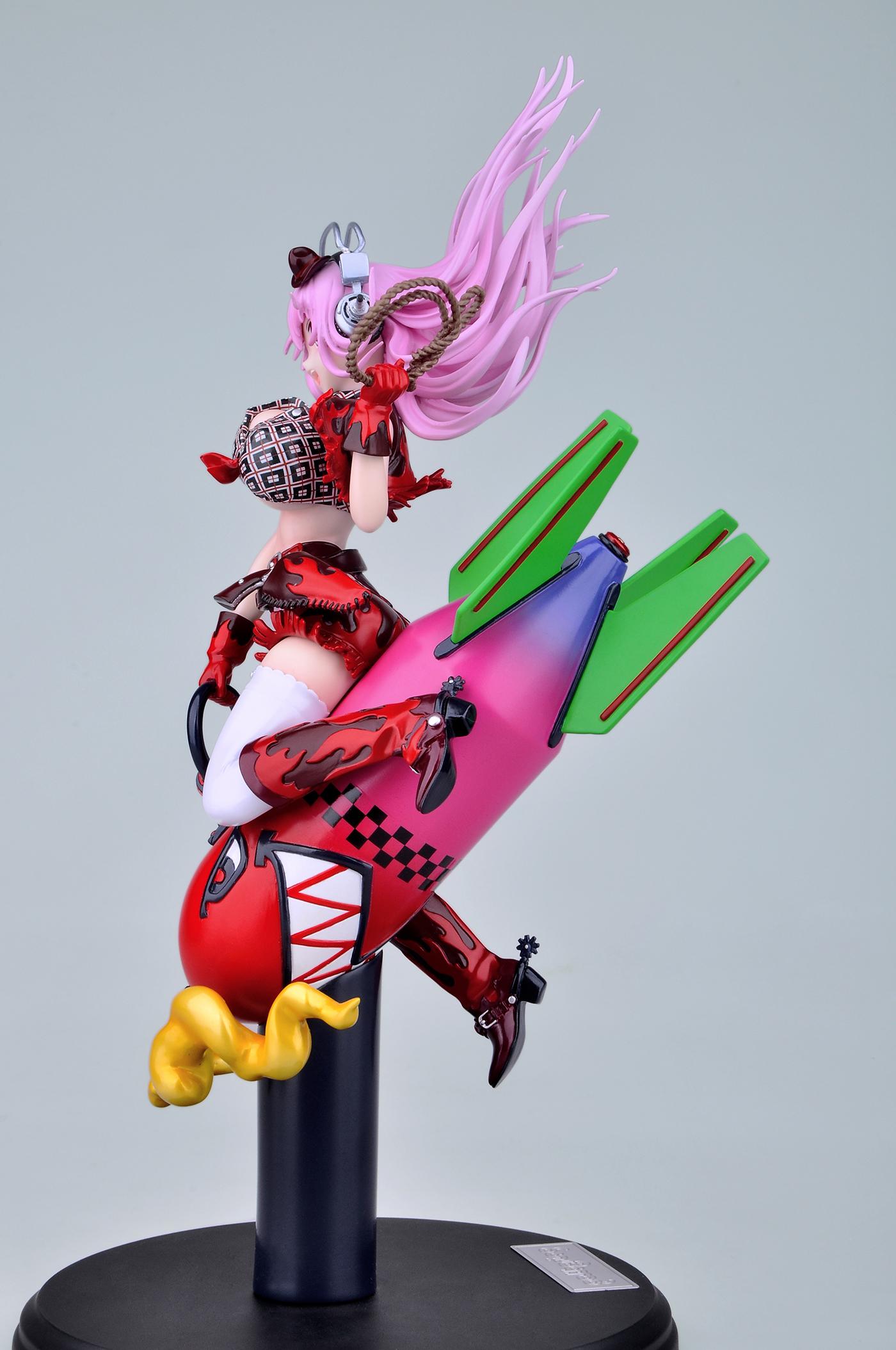 Nitroplus' Mascot Rides a Giant Rocket haruhichan.com Super Sonico rocket figure03