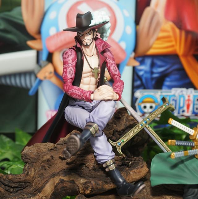 One Piece Action Figure Dracule Mihawk 1