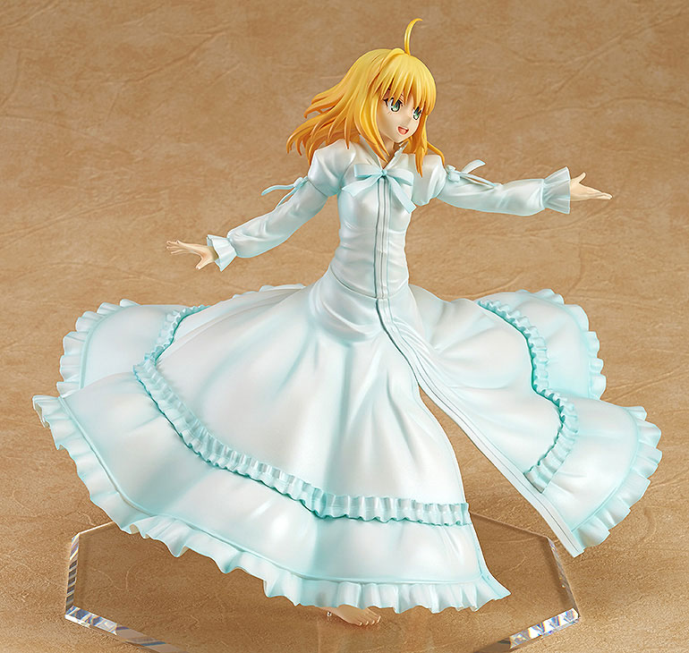 Saber Frolics around in a Beautiful White Dress haruhichan.com Fate Stay Night Saber Figure 3