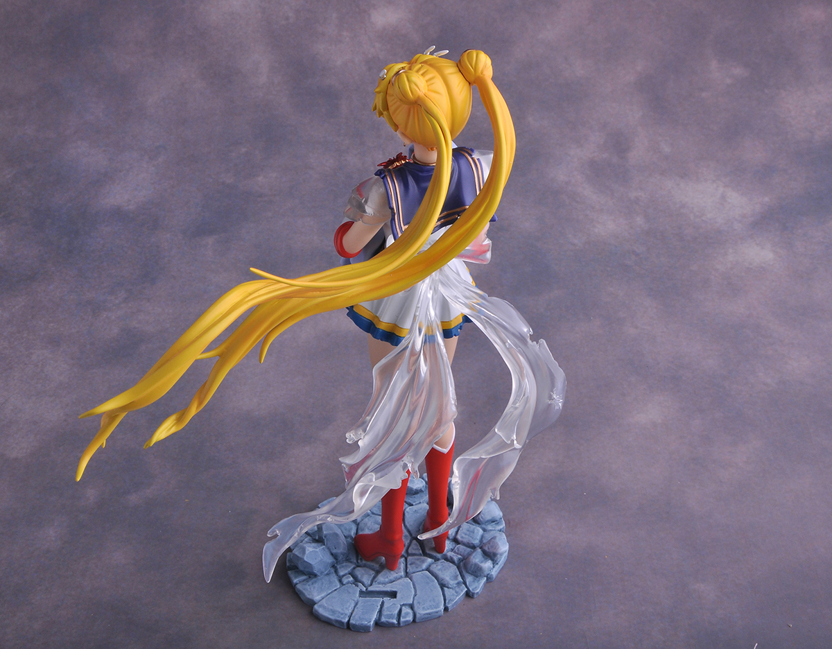 Sailor Moon with Baby Hotaru pre-painted figure 09