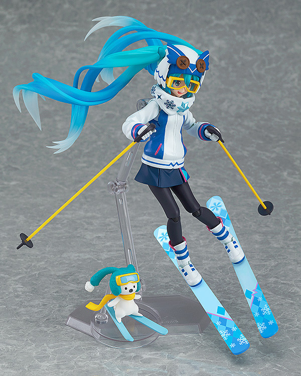 Snow Miku Figure 4