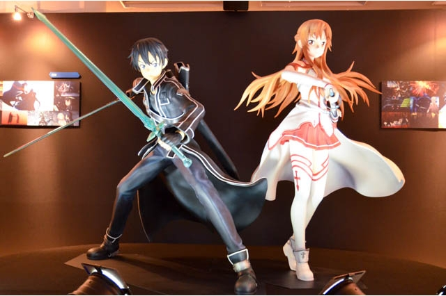 Sword Art Online Exhibition The Seed Previewed kirito and asuna figure
