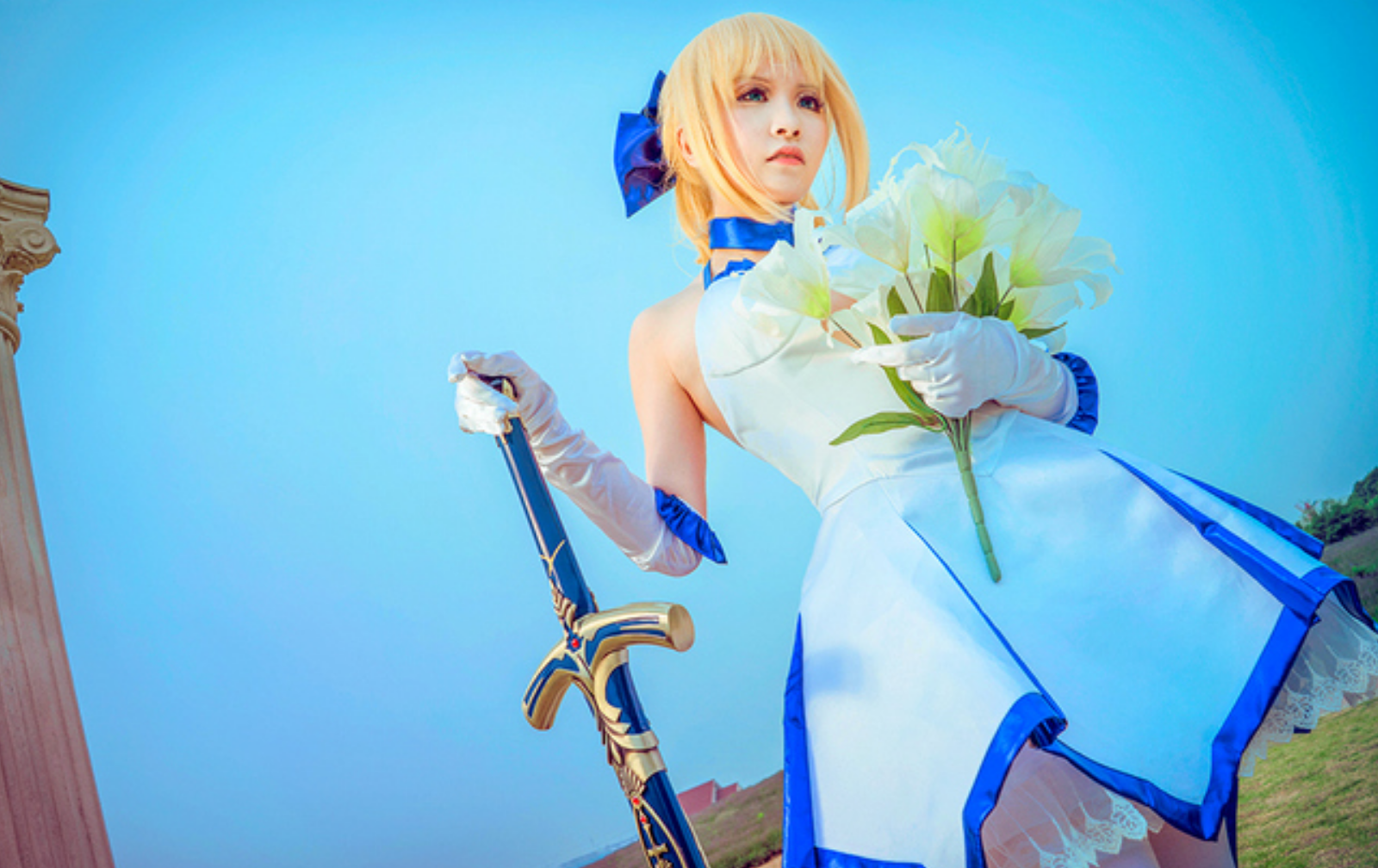 This Saber Lily Cosplayer Will Capture Your Heart in 10th Anniversery Type-Moon Photoset 11