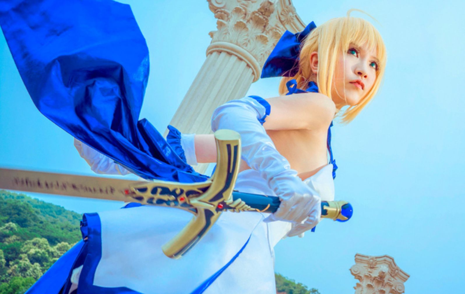 This Saber Lily Cosplayer Will Capture Your Heart in 10th Anniversery Type-Moon Photoset 12