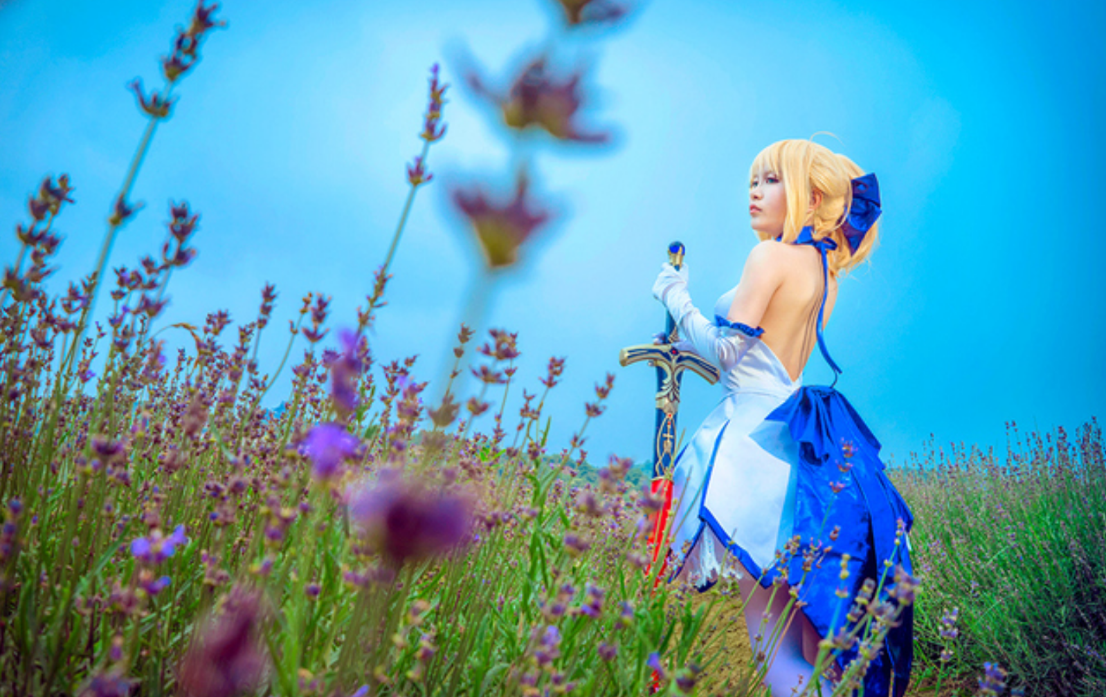 This Saber Lily Cosplayer Will Capture Your Heart in 10th Anniversery Type-Moon Photoset 2