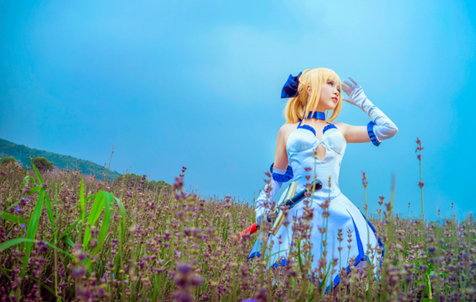 This Saber Lily Cosplayer Will Capture Your Heart in 10th Anniversery Type-Moon Photoset 3
