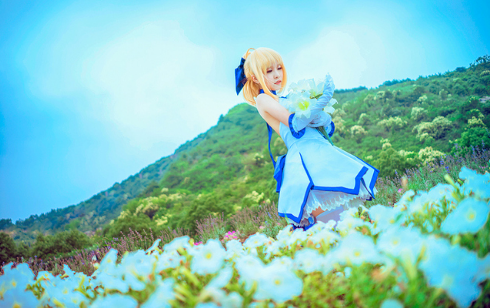 This Saber Lily Cosplayer Will Capture Your Heart in 10th Anniversery Type-Moon Photoset 8